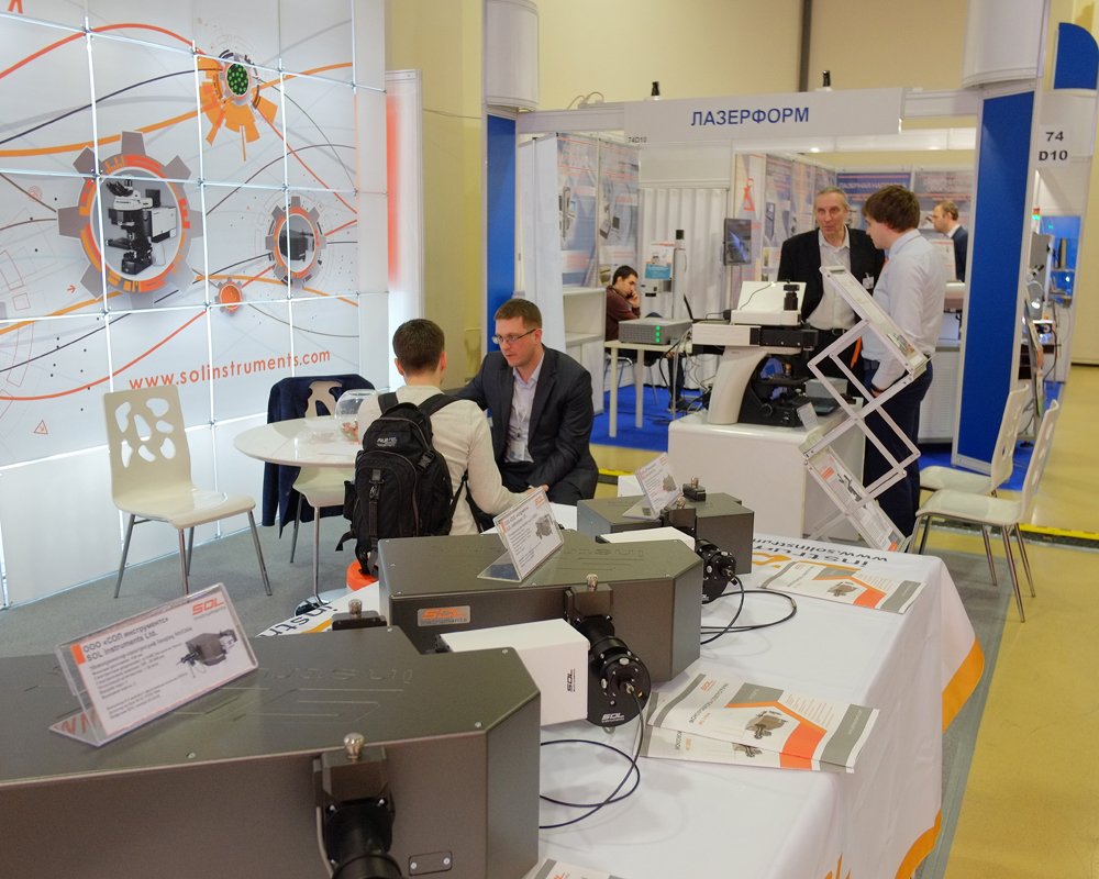 SOL instruments stand at Photonics 2019